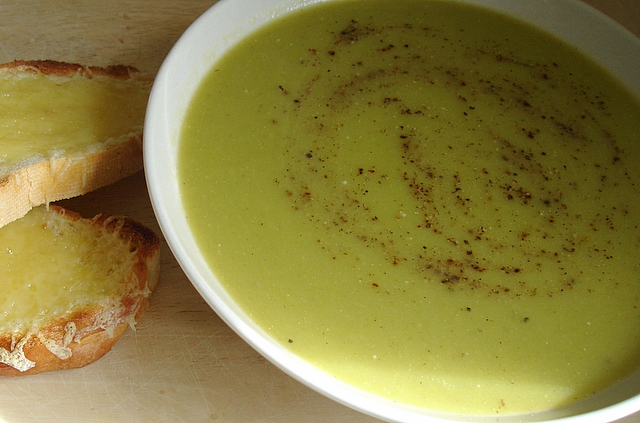 leek-and-potato-soup