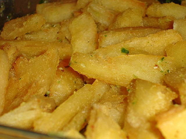 chilli-garlic-cassava-chips